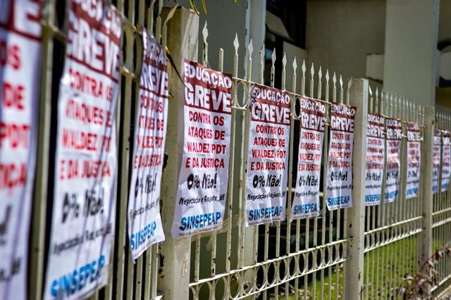 Professores do Amapá voltam a deflagrar greve