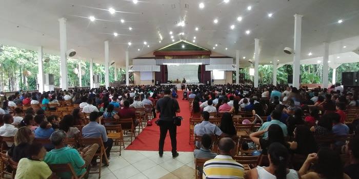 Prefeito e lideranças discutem retorno de atividades religiosas