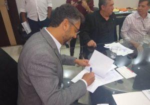 Clécio quer criação de distrito industrial e portuário em Macapá