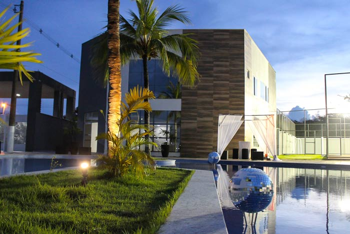 A Vex Construções entrega o condomínio Riviera Residence Club