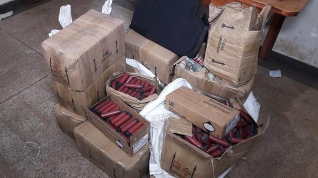 Polícia apreende mais de 8 mil munições em depósito