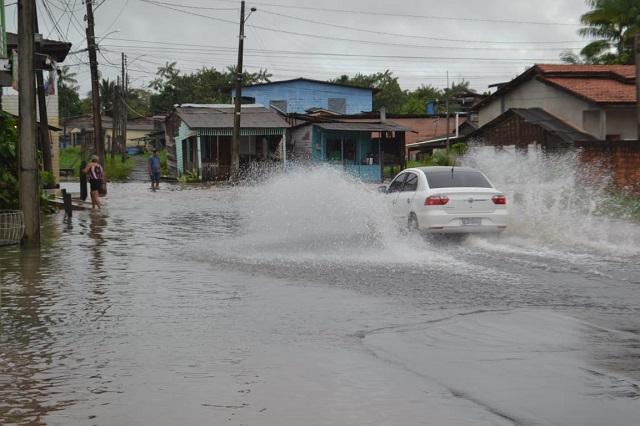 Em poucas horas chove metade do previsto para o mês de julho em Macapá