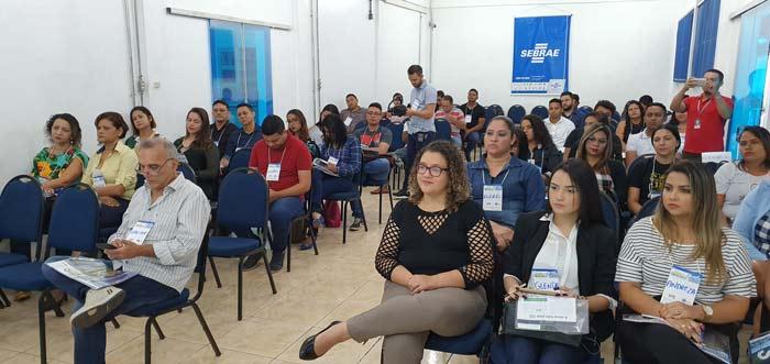 Assessores de comunicação dos municípios debatem fake news e planejamento