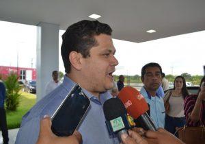 Em visita ao Hospital do Amor, Davi declara que saúde terá apoio da bancada federal