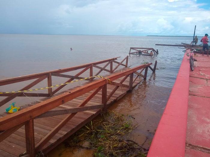 Ventania e chuva também afetaram rampa da Prainha, em Fazendinha