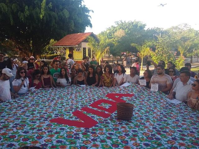 Ativistas fazem ato em defesa dos Waiãpi em Macapá