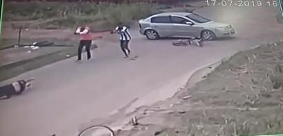 VÍDEO: jovem é morto com cerca de dez tiros; câmera registra a ação