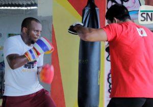 Único brasileiro convocado para evento de MMA no Caribe passa por dificuldades