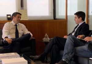 No Banco Central, Randolfe se compromete a apresentar projeto de interesse do governo Bolsonaro