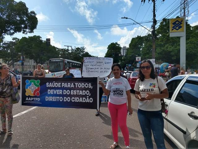 TFD: pacientes protestam contra atraso de 4 meses em benefício