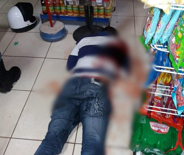 Cliente justiceiro reage e acerta assaltante em mercearia de Macapá