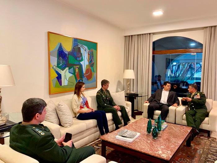 Davi reúne com o comando do Exército e anuncia comissão de mudanças climáticas
