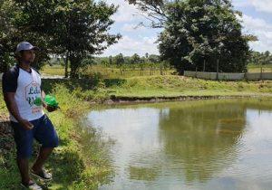 Chuvas: tanques transbordam e mais de 10 mil tambaquis fogem para lago