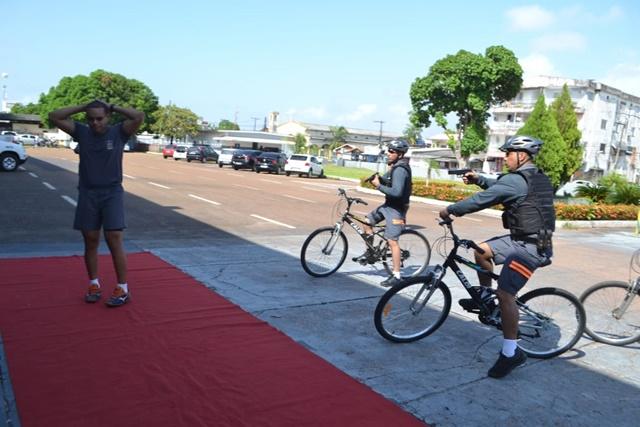 De bike, policiais patrulharão comércio e orla de Macapá
