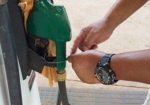 Com álcool acima do permitido em combustível, posto é interditado