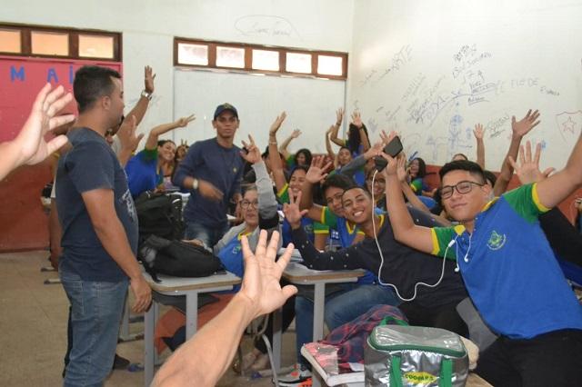 Estudantes organizam protesto contra aumento da passagem de ônibus em Macapá
