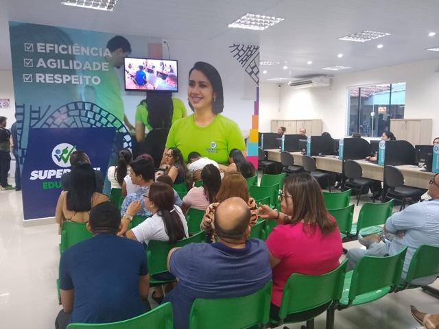 Com 55 serviços, Super Fácil da Educação é inaugurado