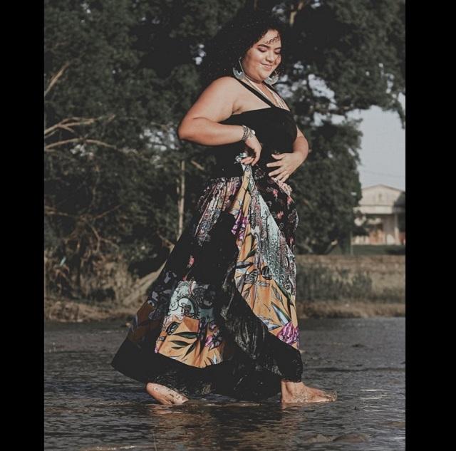 Poeta Bárbara Primavera apresenta recital solo em Macapá