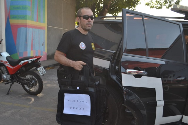 """Macapá: Policiais apreendem documentos da merenda escolar; procuradoria """"estranha"""" busca"""