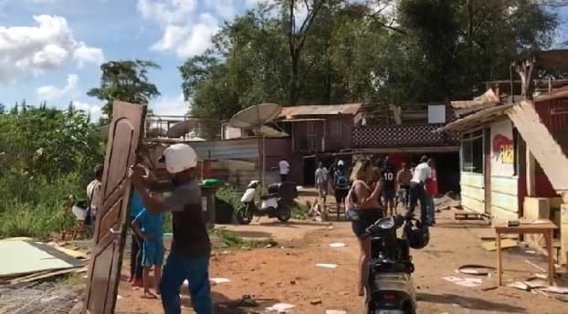 Brasileiros são despejados de bairro na Guiana Francesa