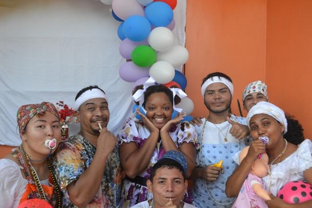 Sem paróquia no AP, grupos mantém tradição de São Cosme e Damião