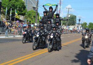 De volta à FAB, desfile militar é ovacionado por 7 mil pessoas