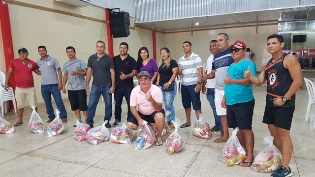 Santana: Com apenas R$ 15 de salário após corte, grevistas ganham cestas básicas