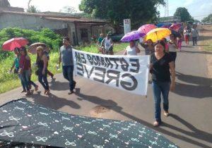 """Santana: Servidores em greve há quase 1 mês reclamam de """"enrolação"""""""