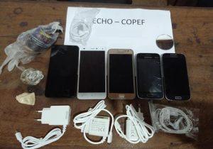 Ao voltar de faxina, internas do Iapen são flagradas com celulares e drogas