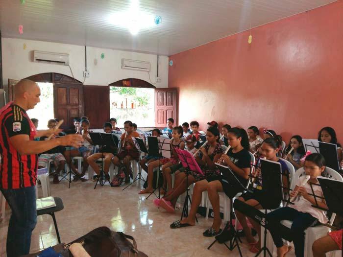 Em Itaubal, música dá nova perspectiva para crianças e adolescentes