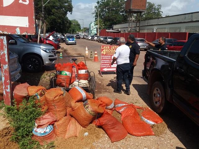 Lixo jogado em terreno baldio pode dar multa de R$ 1,5 mil