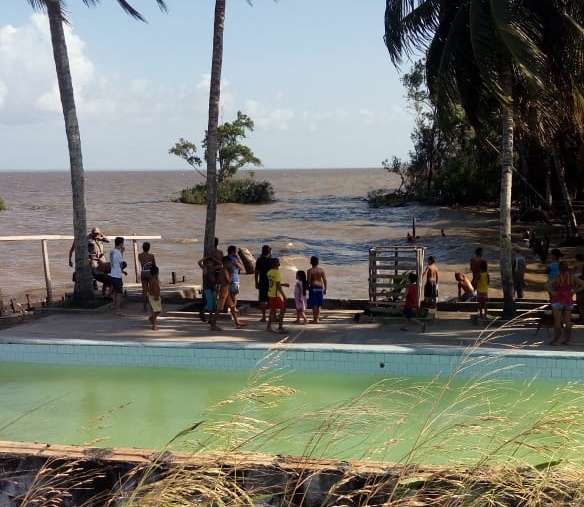 Menino que aprendia a nadar é encontrado morto no Rio Amazonas