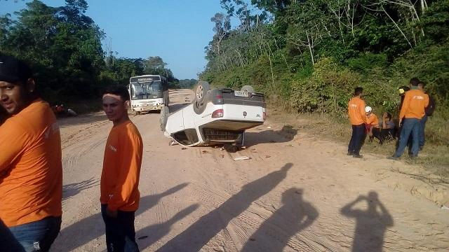Carro capota e empresário morre na BR-156 trecho sul