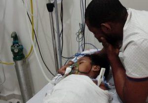 Amigos se unem para salvar criança epilética com infecção