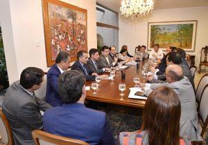 Governadores, Senado e Planalto discutem divisão de recursos do pré-sal