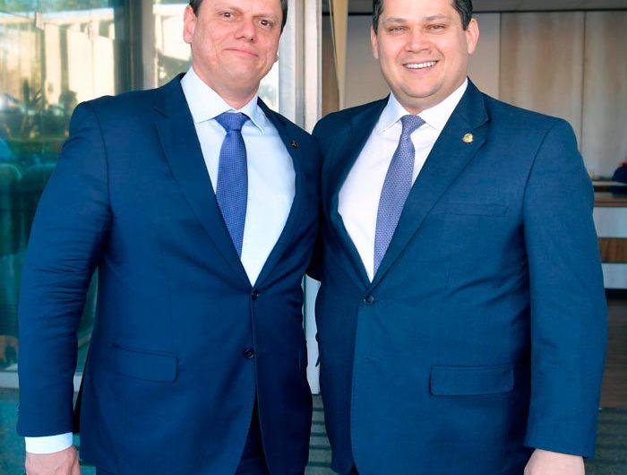 Ministro, presidente do Senado e governador visitam BR-156