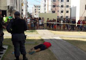 Dupla execução: homens são mortos a tiros em residencial