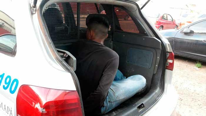 Adolescente confessa que daria apoio em assalto na porta de banco
