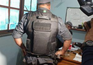 Confronto: colete salva vida de policial e bandido morre
