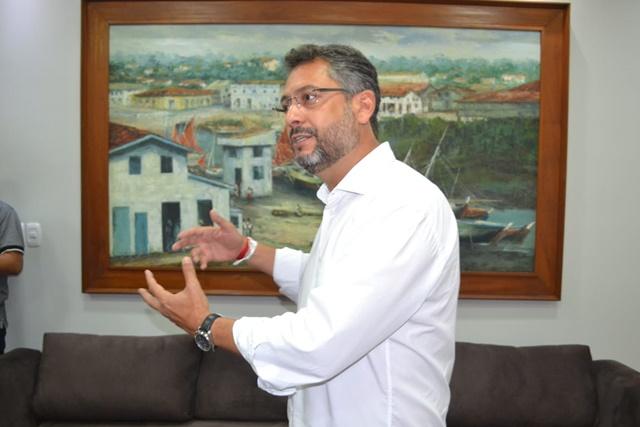 """""""Carnaval é investimento"""", diz prefeito após lançamento de edital"""