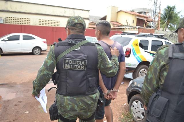 Adolescente diz querer matar policiais depois de roubar trabalhador