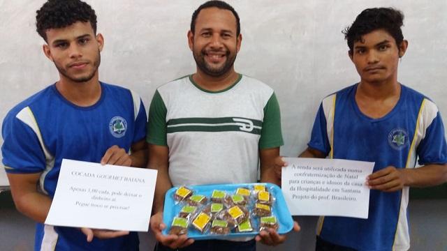Professor vende cocadas 'na base da honestidade' para Natal de crianças e idosos