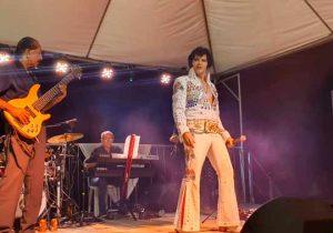 Durante 3h, cover de Elvis e Banda Vinil tocam nostalgia pura