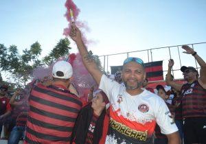 """""""Não consigo nem dormir direito"""", diz amapaense que vai a Lima assistir à final"""