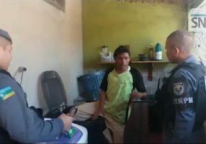 VÍDEO: ladrão se esconde dentro de máquina de lavar e fica preso