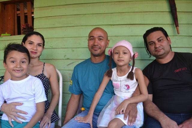 Após filha vencer o câncer, família amapaense tenta recomeçar a vida