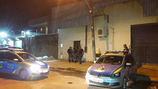 PM flagra ladrões dentro dos Correios em Macapá