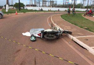 Empresário tem cabeça esmagada em acidente com moto