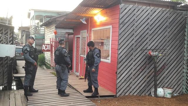 Amassadeira de açaí era boca de fumo disfarçada, diz polícia
