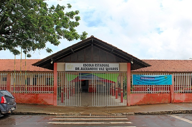 Depois da capital, governo também prorroga suspensão das aulas